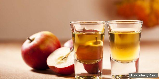 التفاح لتنعييم اليدين التفاح لعلاج