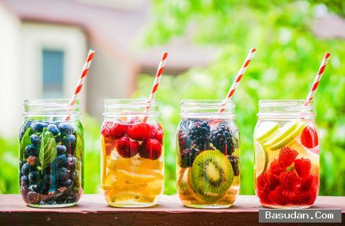 أهمية الفواكه والمياه التخسيس