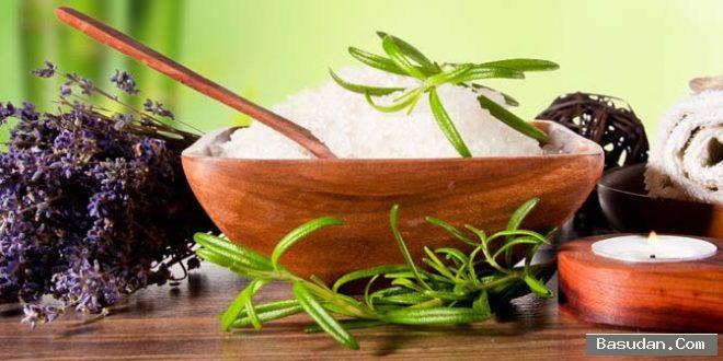 ماسك الأعشاب لتنظيف البشرة وصفة