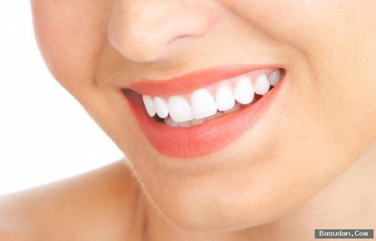 وصفات طبيعية لتبييض الأسنان خلطات