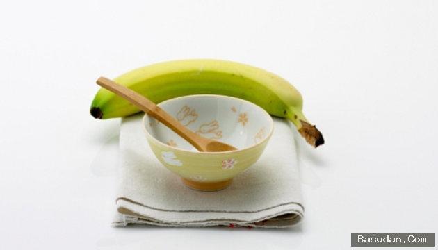 الموز وماء الورد للعناية بالبشرة