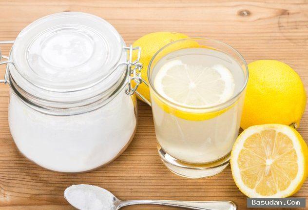 بيكربونات الصودا والليمون لتقشير القدمين