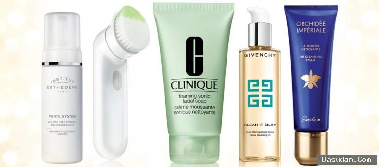 مستحضرات تنظيف الوجه