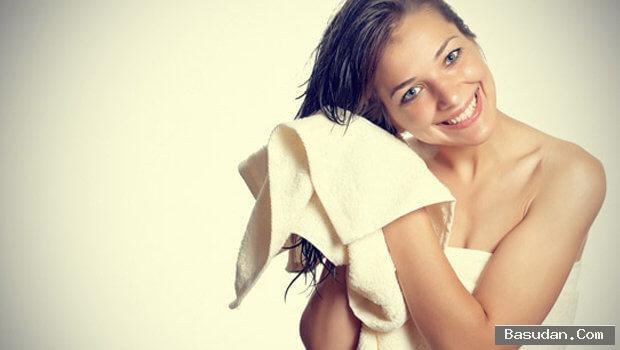 أفضل الطرق لتصفيف شعرك المبلل