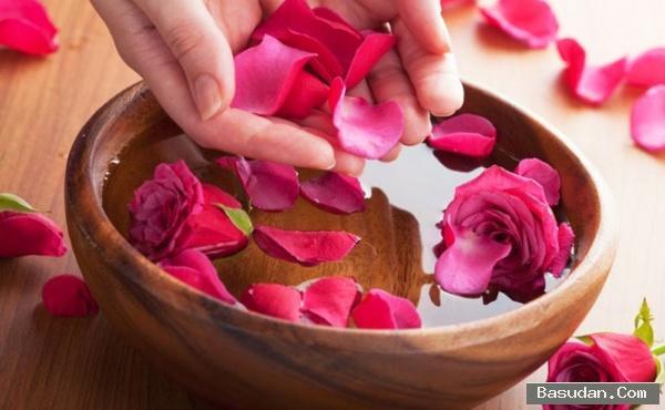 فوائد الورد للشعر والبشرة