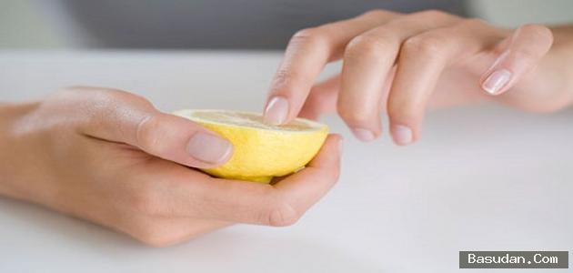 وصفات لصُنع مُزيل طلاء الأظافر