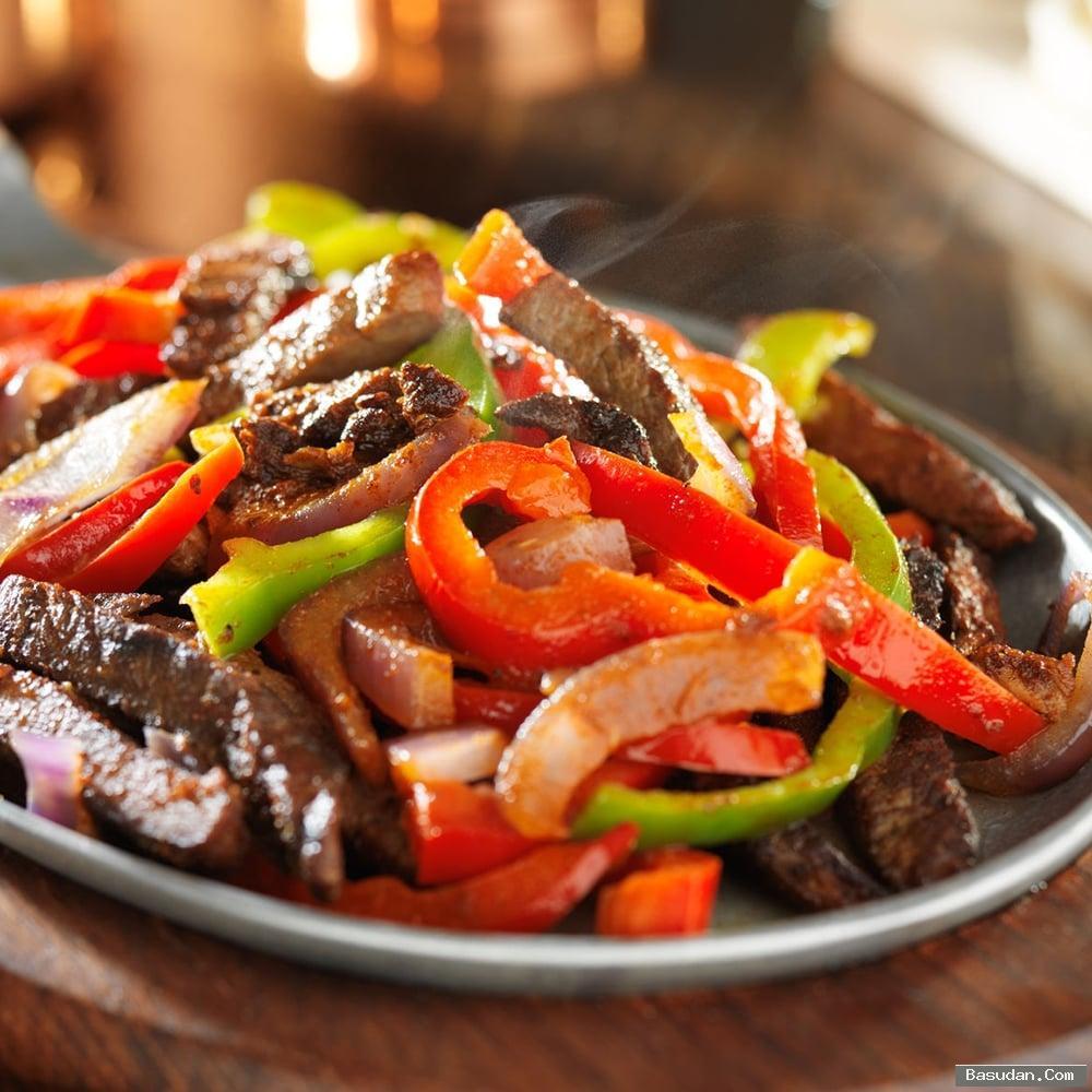 شرائح اللحم بالتتبيلة الحارة بالخطوات