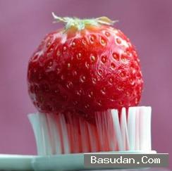 فوائد الفراولة للأسنان