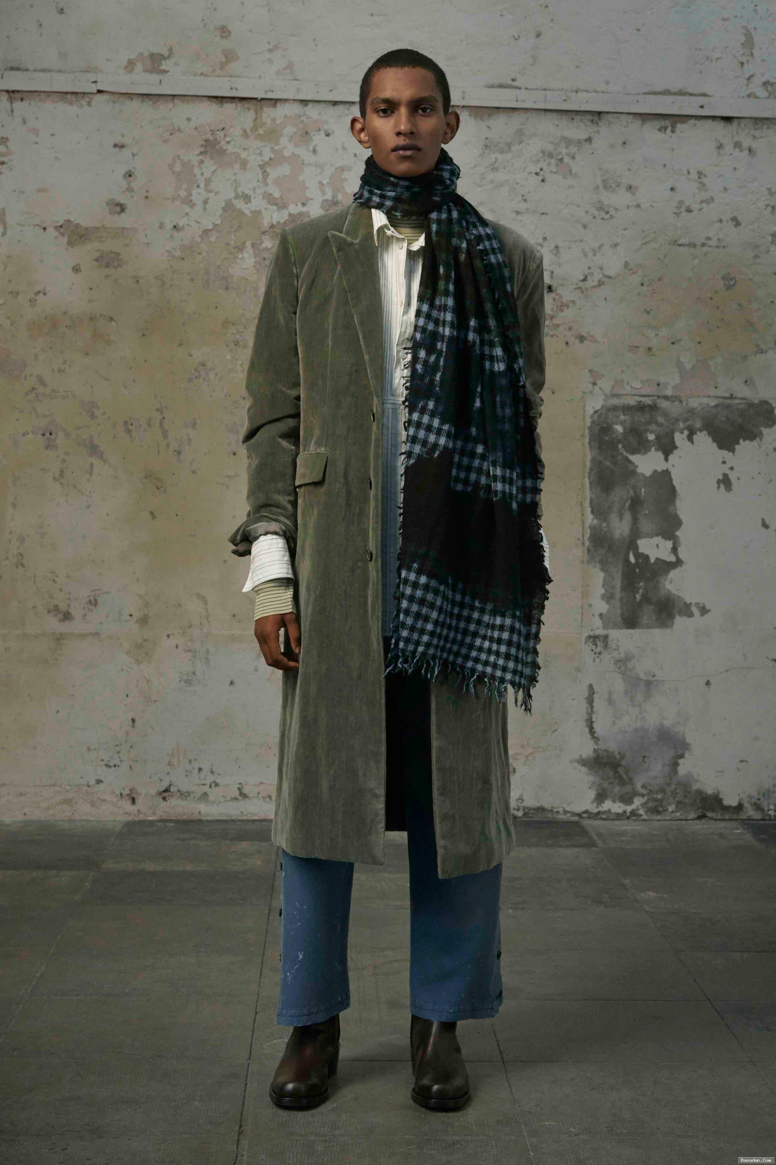 «Rochas» تكشف مجموعتها للأزياء الرجالي