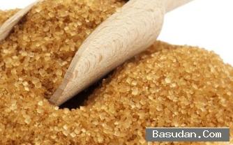 السكر البني لتخلص وقشرة فروة