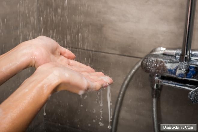 الاستحمام يوميًا.. فوائد أضرار