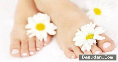 وصفات طبيعية لعلاج تشققات القدمين